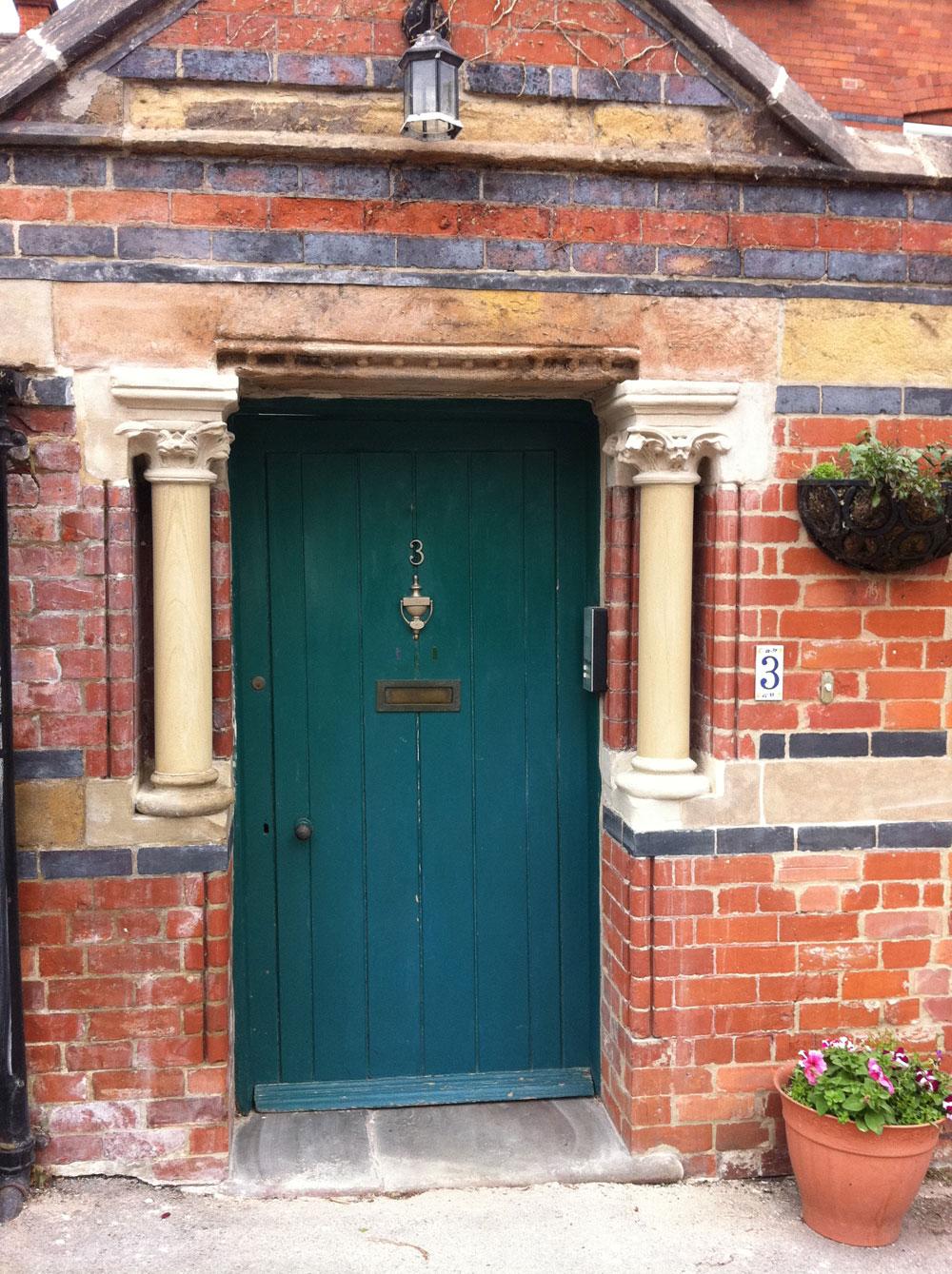 25-doorway-finish